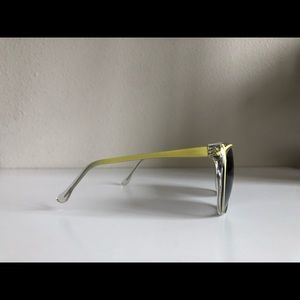 Piave Accessories - Vintage Clear/Yellow Piave Oversize Cat Sunglasses